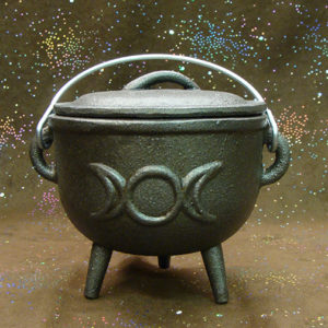 3.75″ Triple Moon Cast Iron Cauldron
