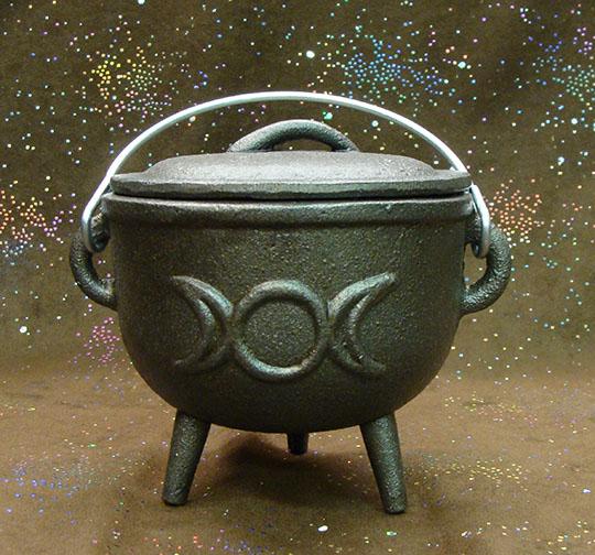 cast iron triple moon cauldron 4.5 inch