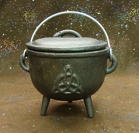 cast iron triquetra 4.5 inch cauldron